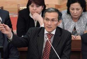 Джоомарт Оторбаев решил покинуть свой пост